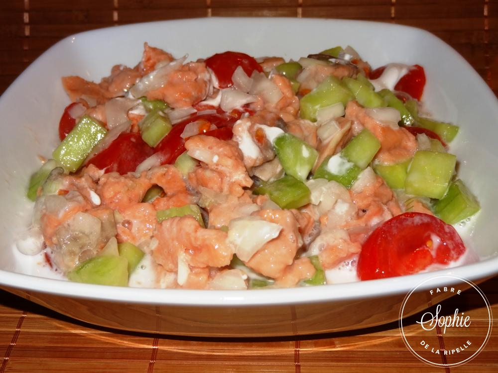 Salade tahitienne au saumon la tendresse en cuisine for Salade pour accompagner poisson