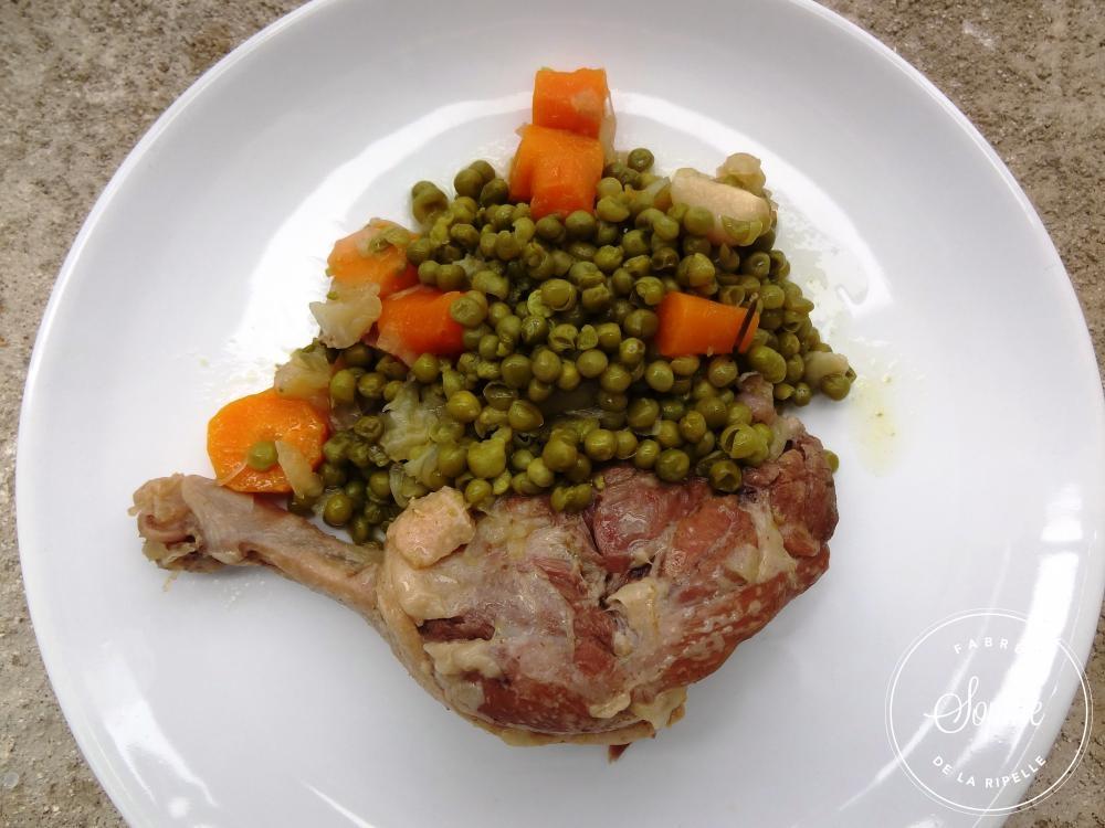 Canard aux petits pois cocotte minute la tendresse en for Petit pois cuisine