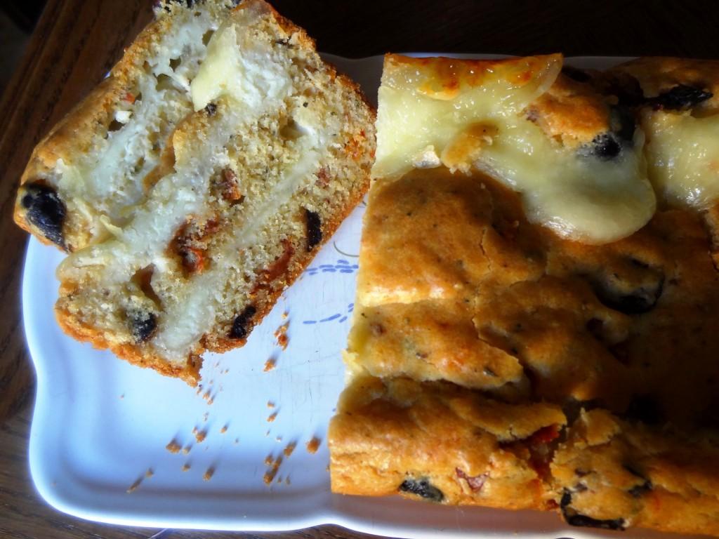 Cake Olives Mozzarella Tomates Sechees