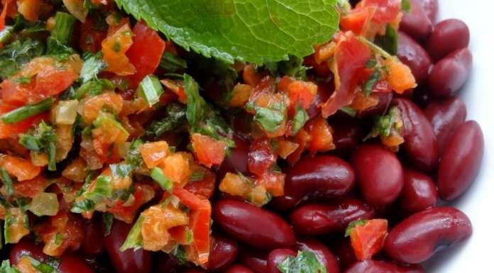 Ensalada de frijoles rojos con salsa Chimichurri 0