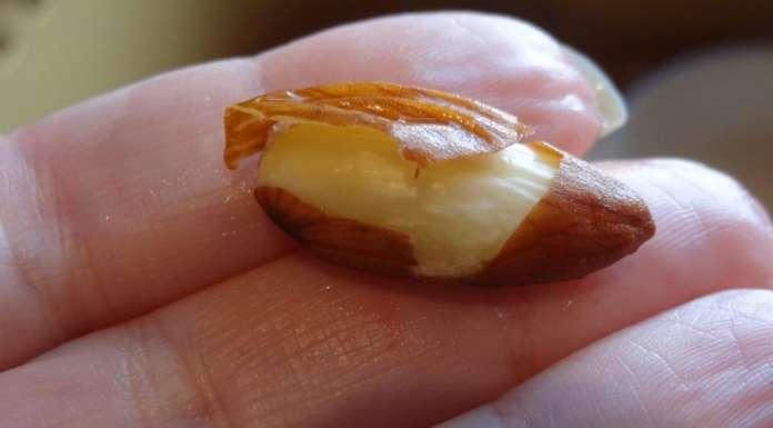 Comment enlever la peau des amandes 5