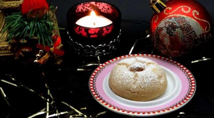 Biscuits de Noël vegan aux noisettes 0