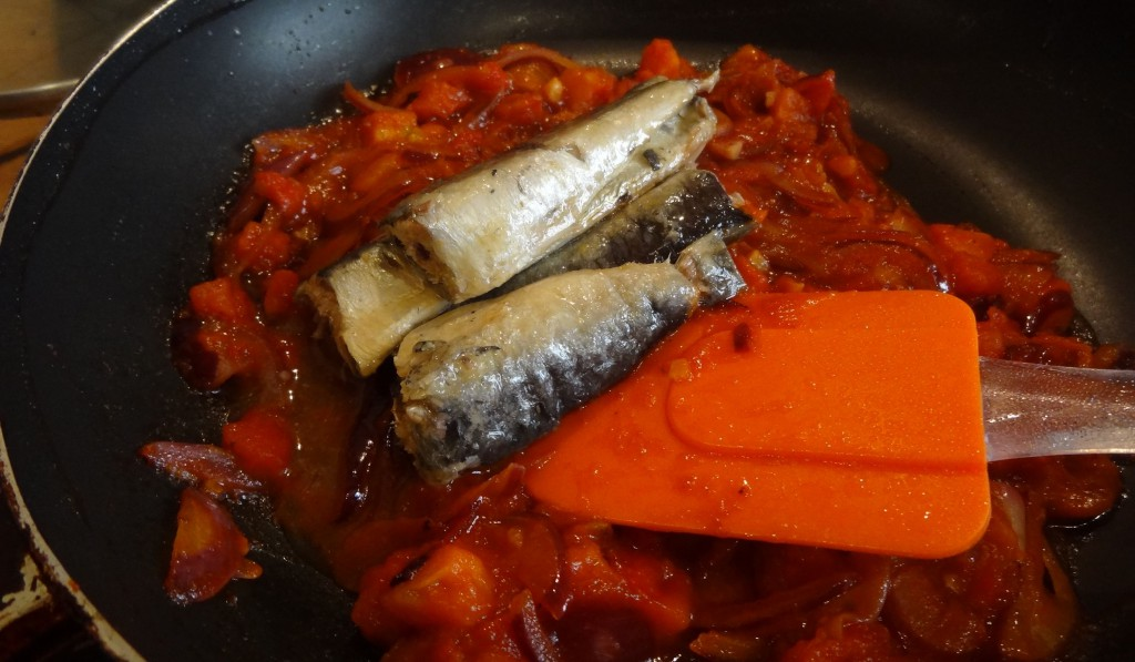 spaghetti la sardine 6 la tendresse en cuisine. Black Bedroom Furniture Sets. Home Design Ideas