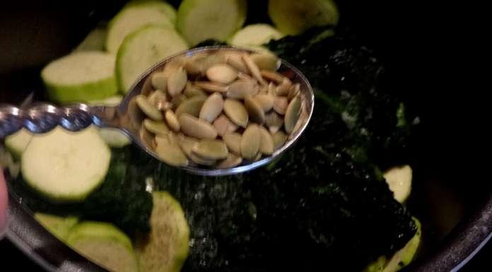 epinards-et-courgettes-aux-graines-de-courges-4