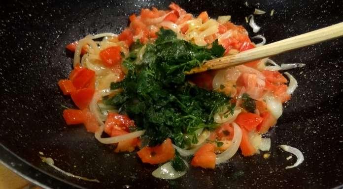 Sauce Epinards Crevettes Et Poisson Fume Gabon La Tendresse En