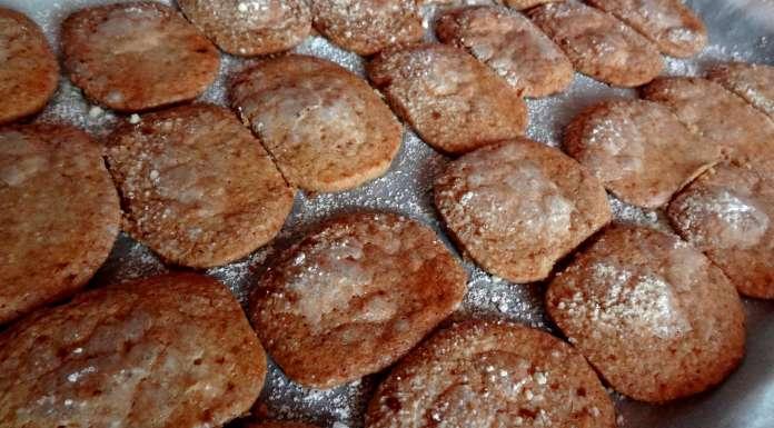 Biscuits fins glacés à la fleur d'oranger