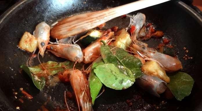 crevettes aux feuilles de citronnier la tendresse en cuisine