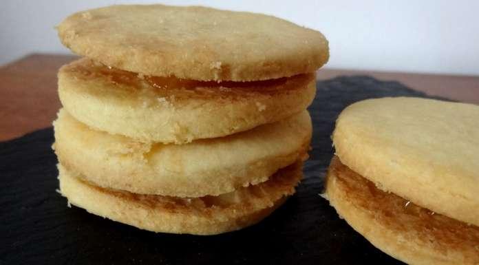 biscuits fourrés à l'ananas