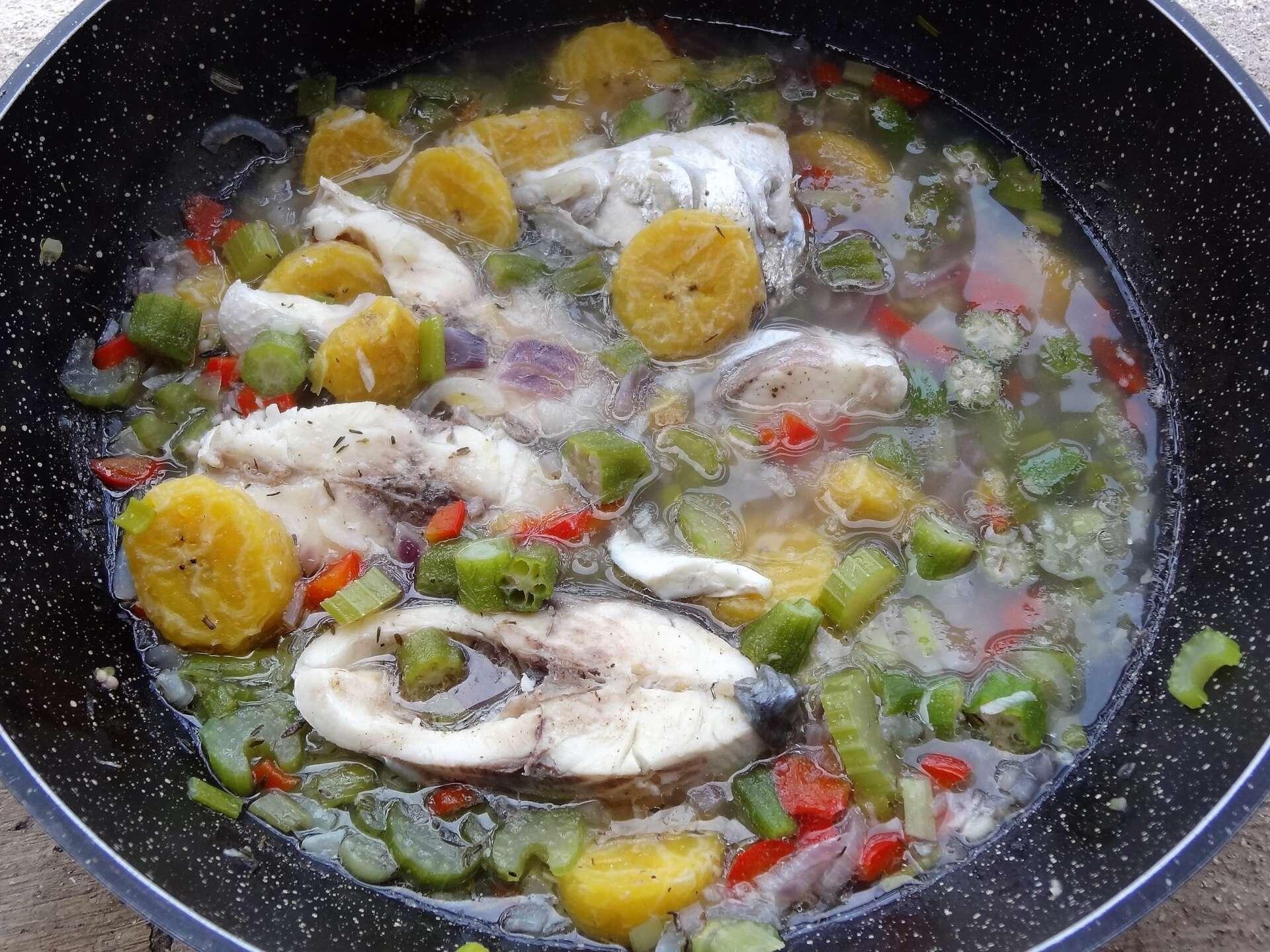 Bouillon de poisson antiguan fish broth antigua et barbuda for Antiguan cuisine