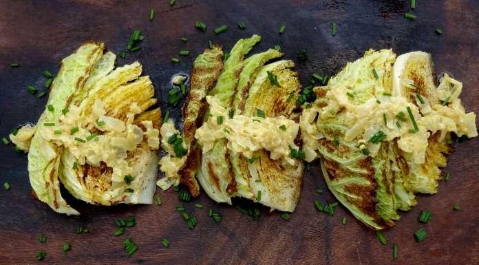 Chou rôti sauce oignon et moutarde