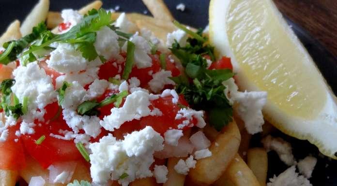 Frites à la feta tomate et citron