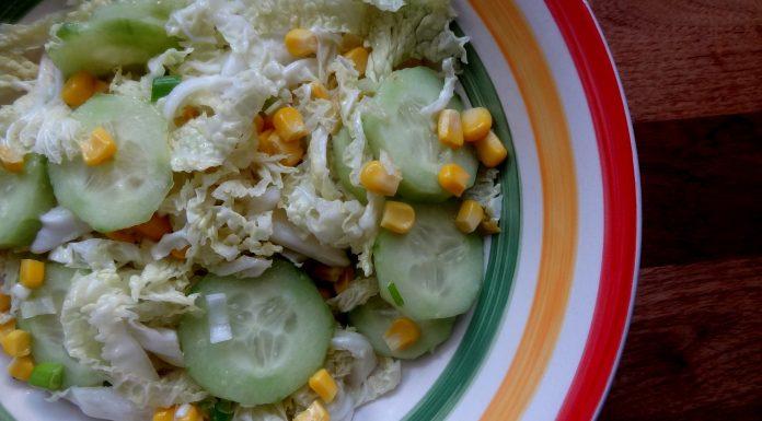 salade de chou maïs et concombre